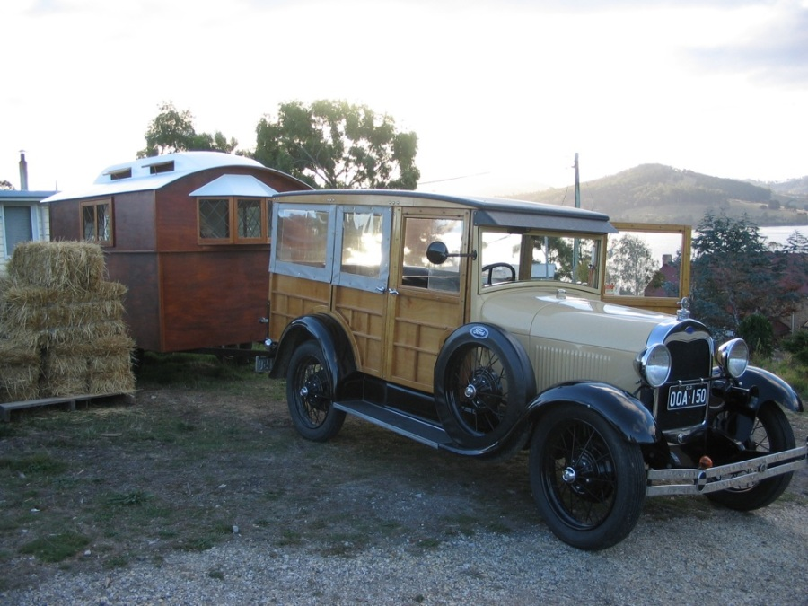BILLS T MODEL FORD & VINTAGE CARAVAN IN TASMANIA